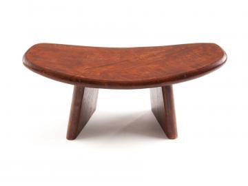 Meditations Hocker aus Holz